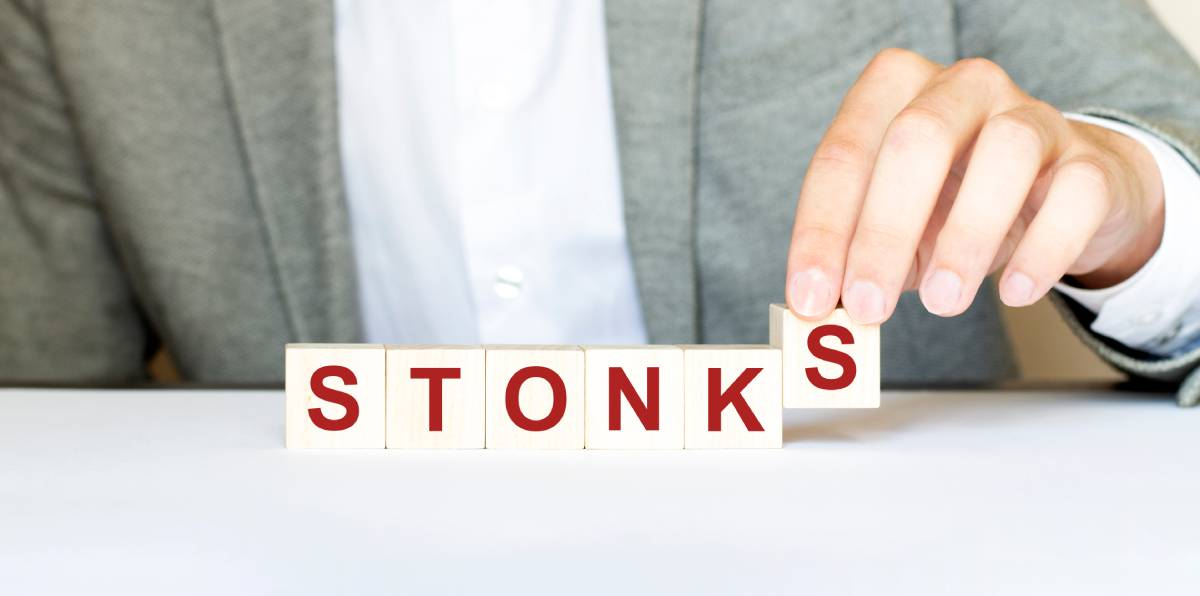 Scrabble tiles spelling stonks